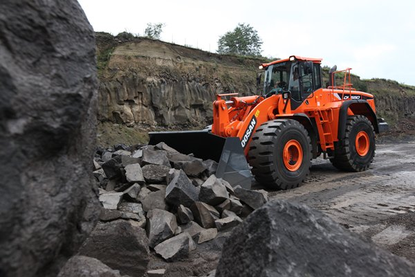 DOOSAN DL550-5 Wheel Loader