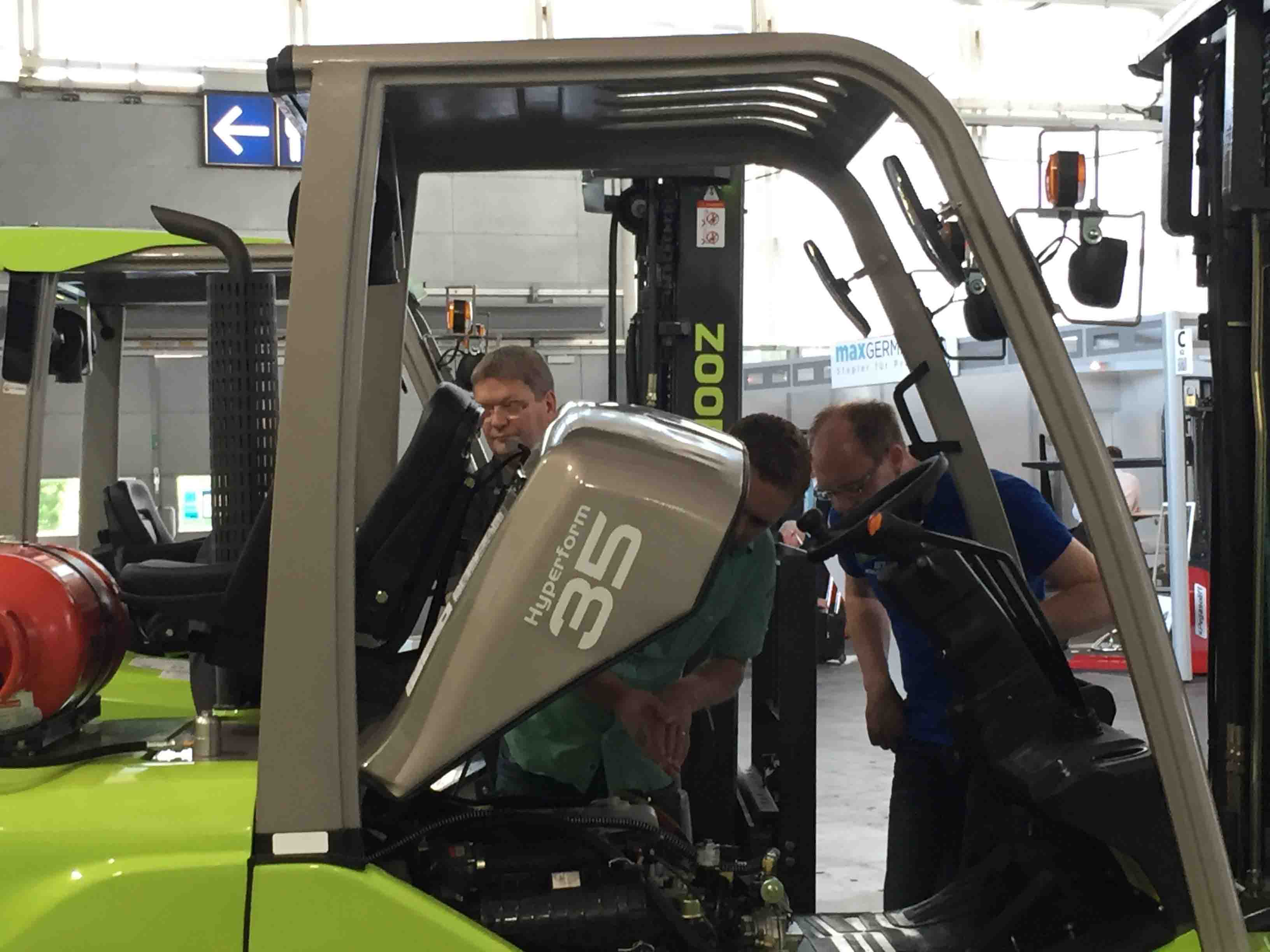 Zoomlion's Star Forklifts Exhibited at CeMAT